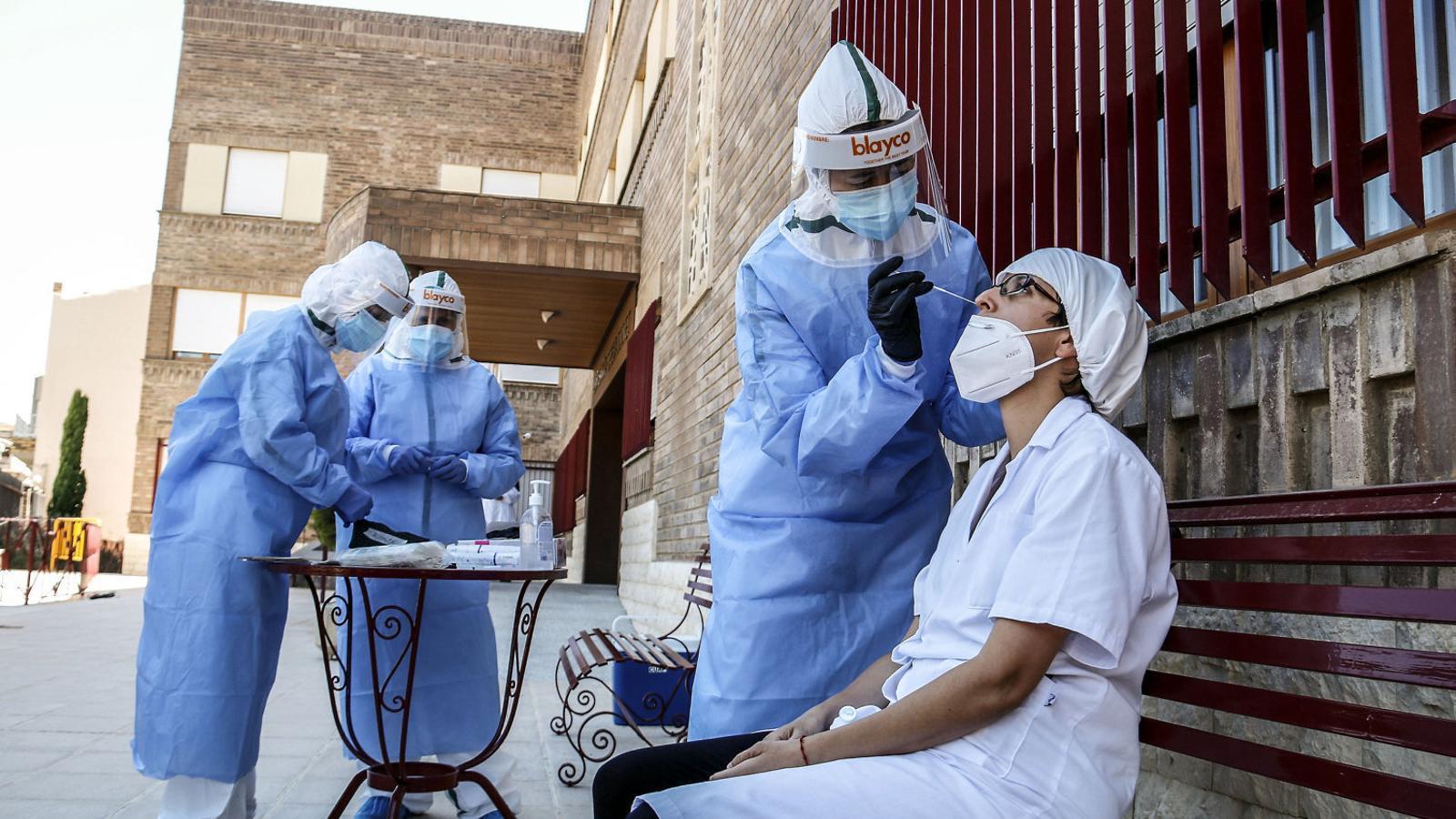 Més de 1.440 contagis nous notificats   En 24 hores a Catalunya