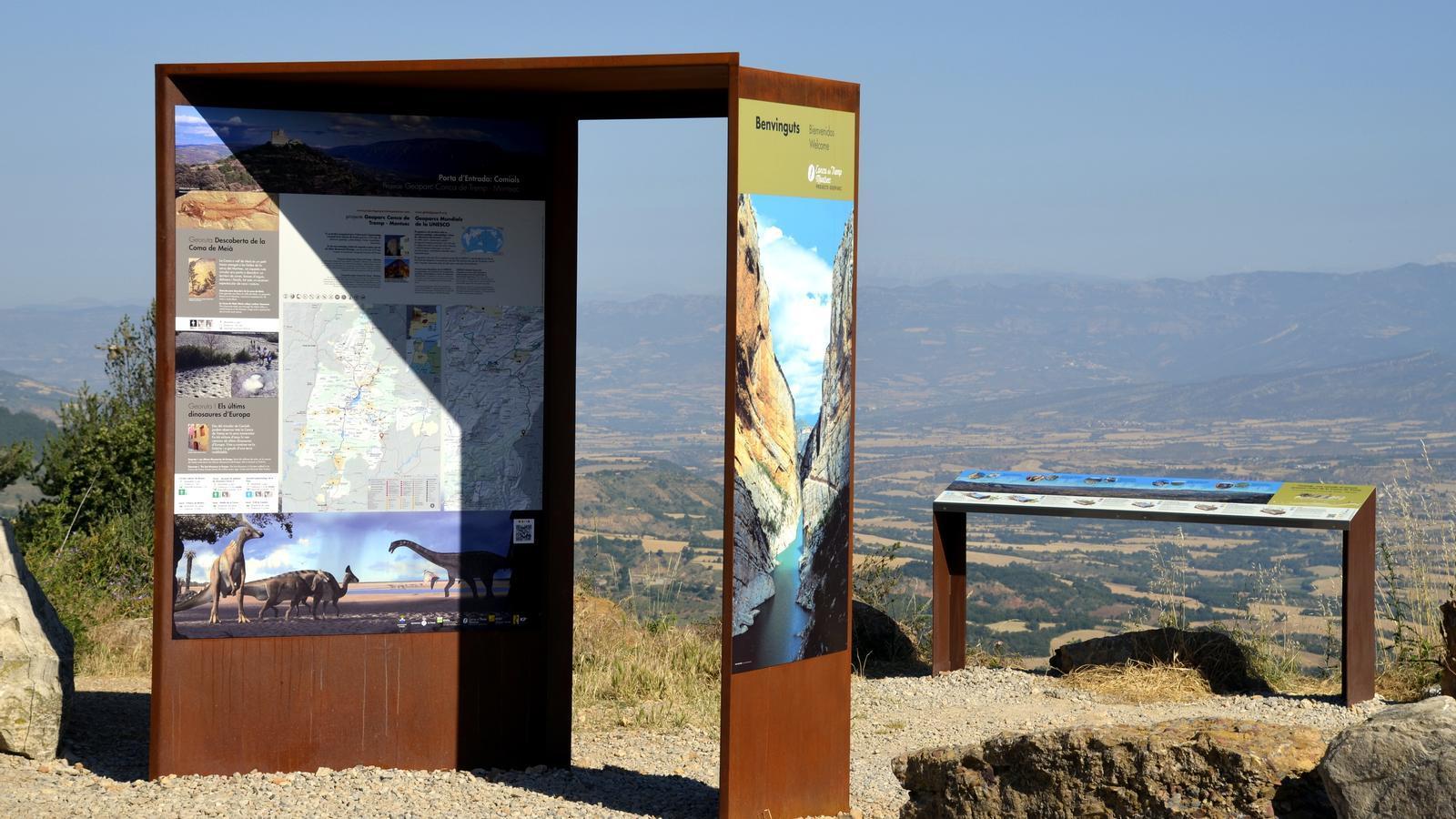 Una porta d'entrada al territori Geoparc Conca de Tremp col·locat a l'alt de Comiols des d'on es pot veure tota la Conca de Tremp.