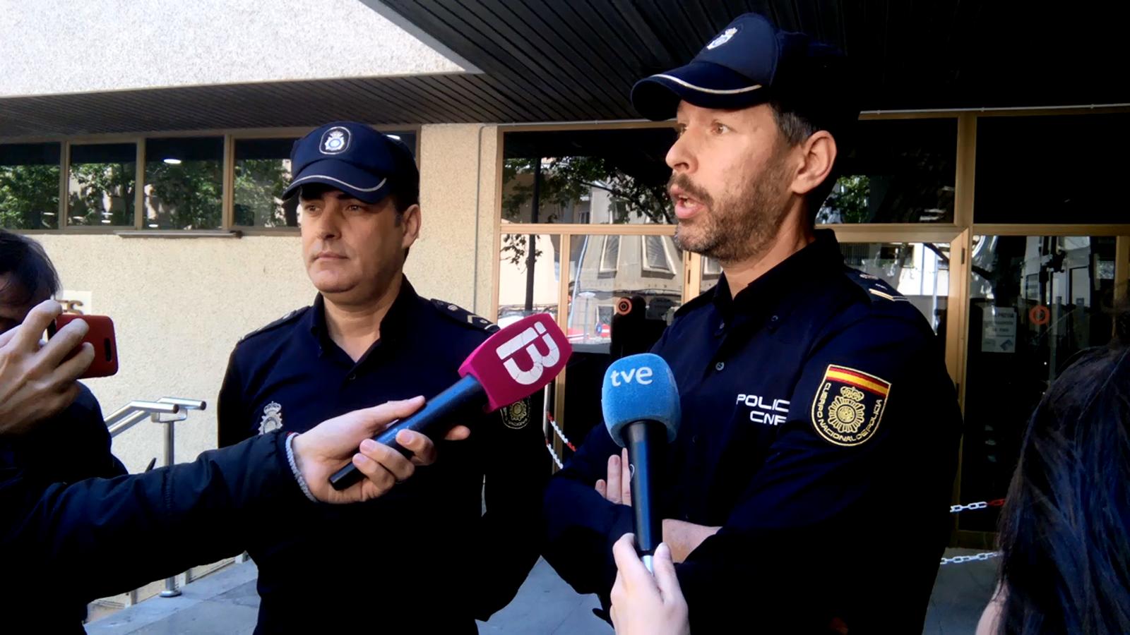 El subinspector Miguel Córcoles i el policia Manuel Fajardo conten en primera persona com varen viure l'última crema de contenidors de Palma.