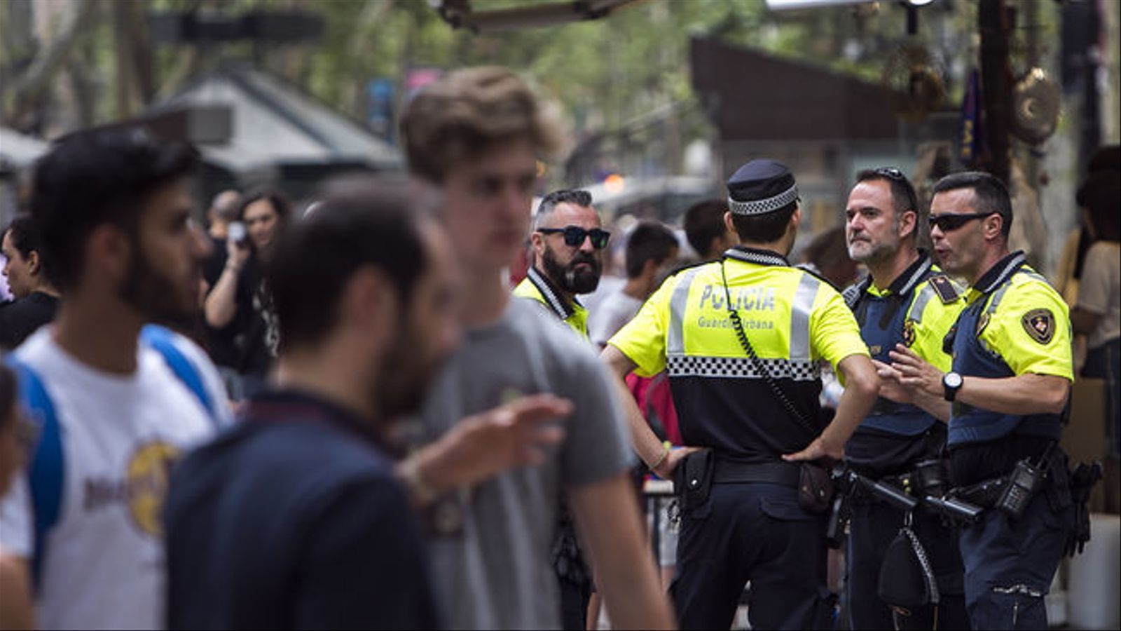 Agents de la Guàrdia Urbana a les Rambles de Barcelona.