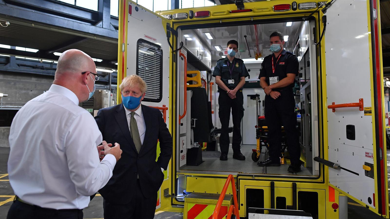 Boris Johnson, aquest matí, en una visita al centre d'ambulàncies de Londres