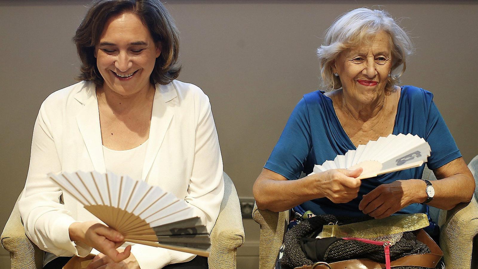 Ada Colau i Manuela Carmena durant la trobada a Barcelona