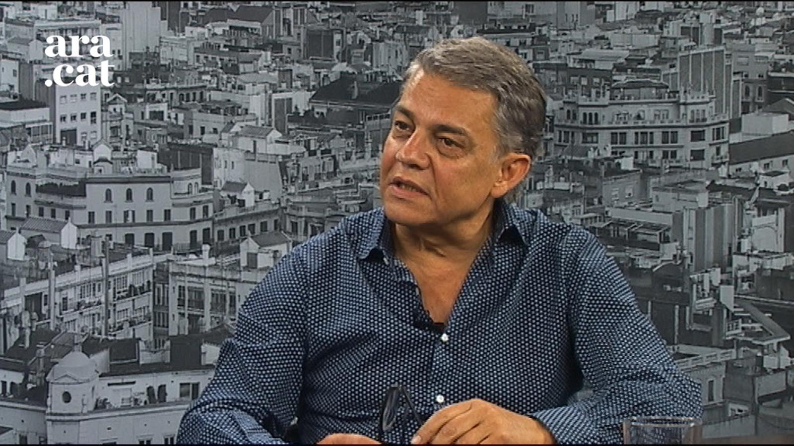 """Joaquim M. Puyal: """"No fa falta anar sempre a l'auxili de les paraules"""""""