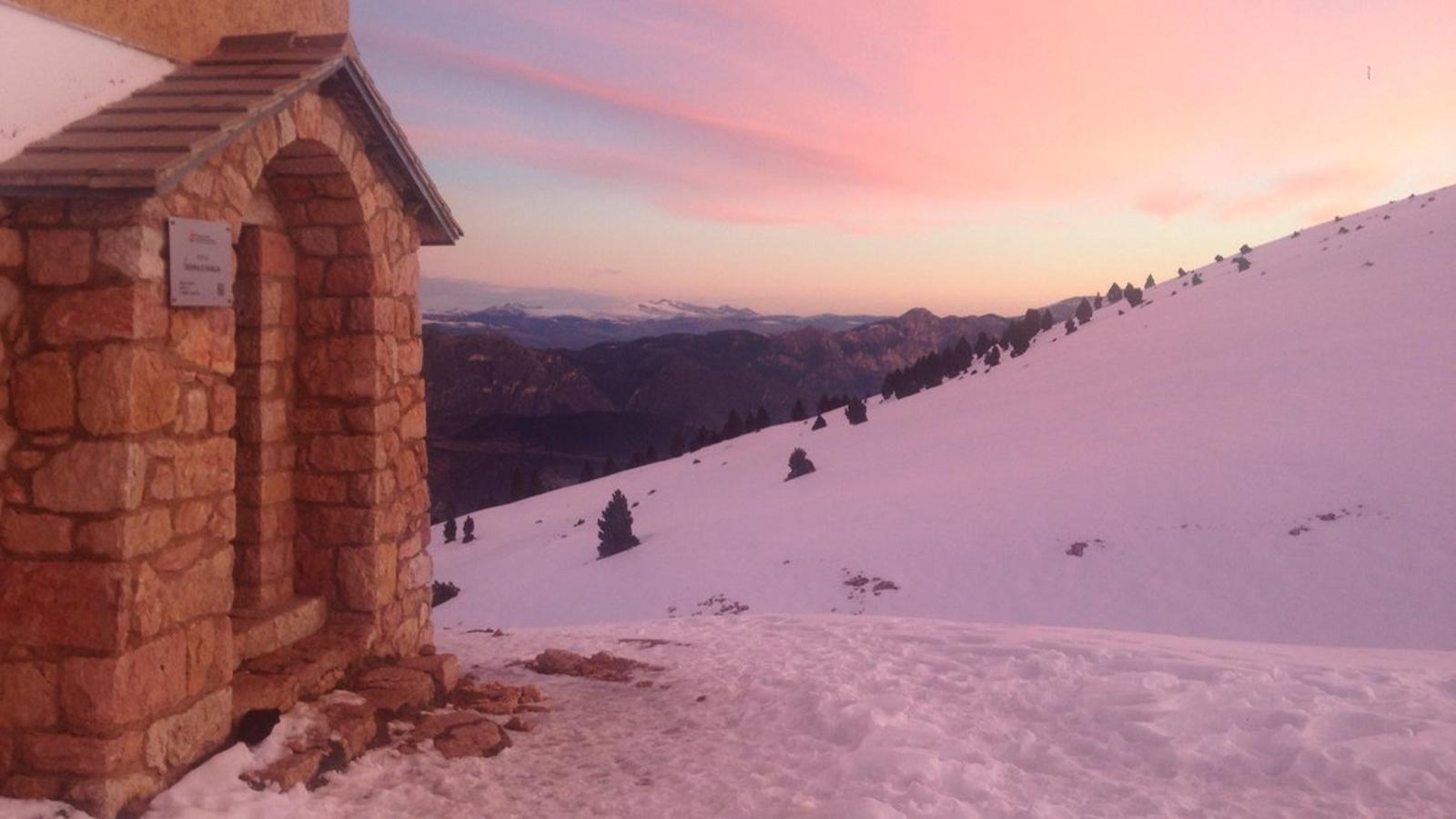Sortida de sol des del Refugi d'Ensija, a l'Alt Berguedà