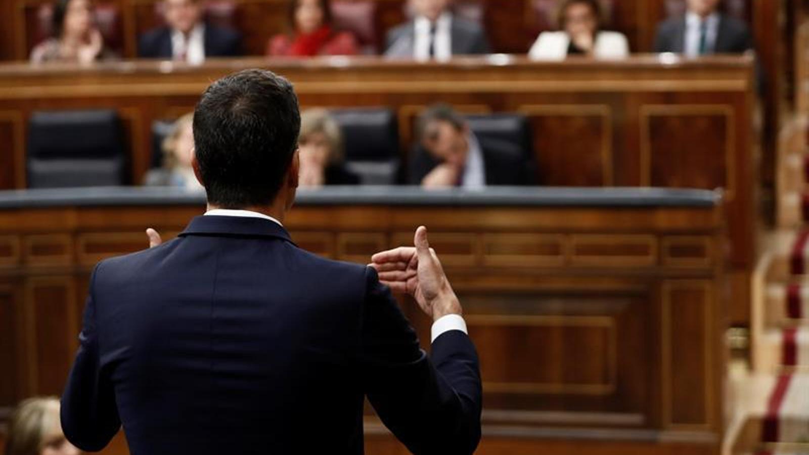 El president del govern espanyol, Pedro Sánchez, durant la sessió de control al Congrés responent a Pablo Casado