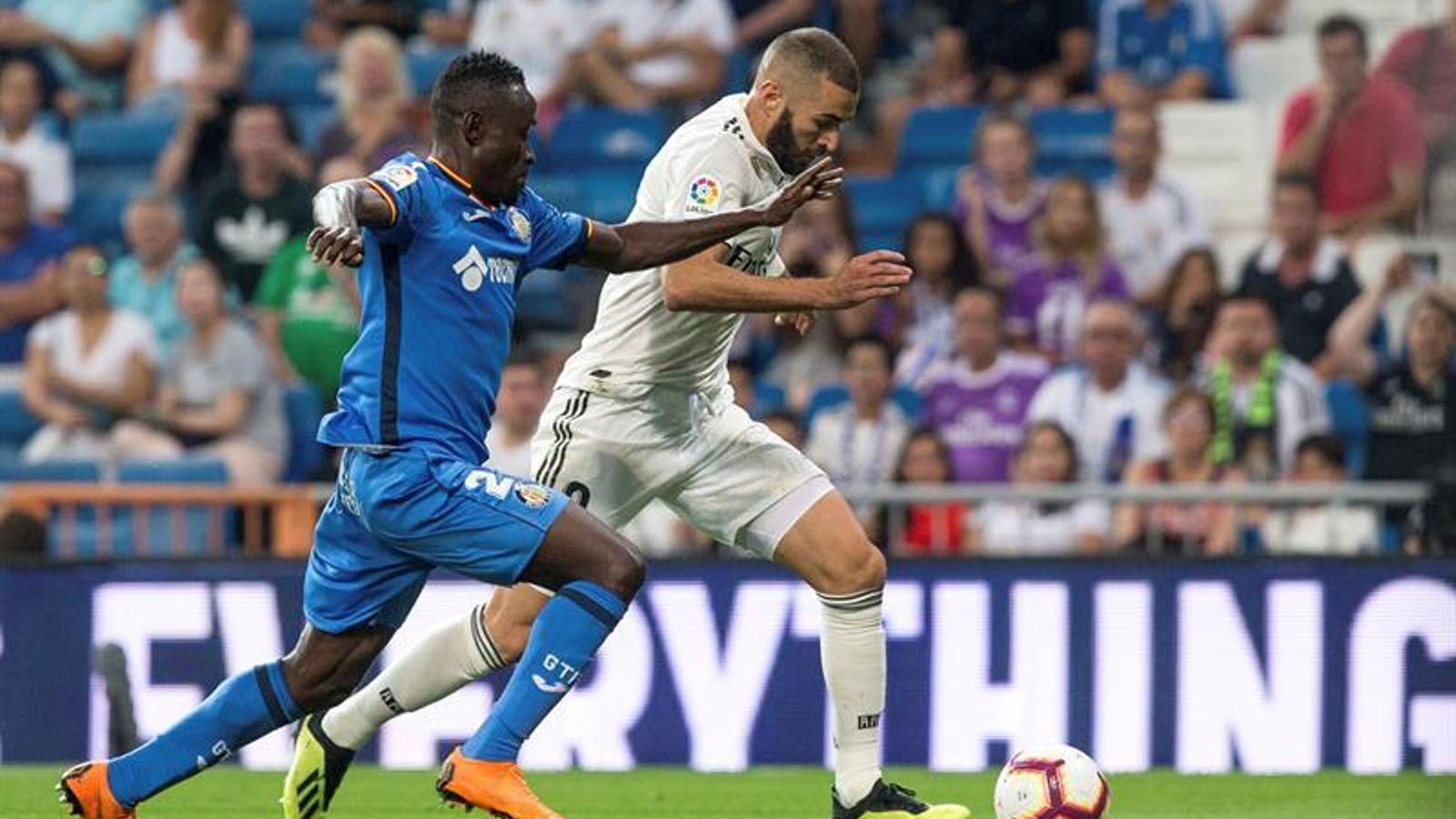 Benzema es desfa de la pressió de Djené