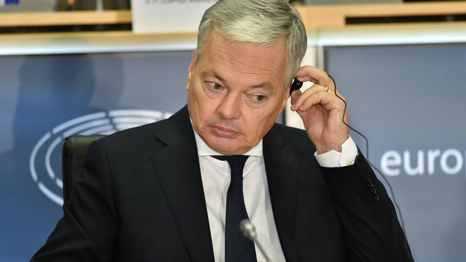"""El candidat a comissari de Justícia de la UE: """"Cal respectar totalment l'ordre constitucional dels estats"""""""