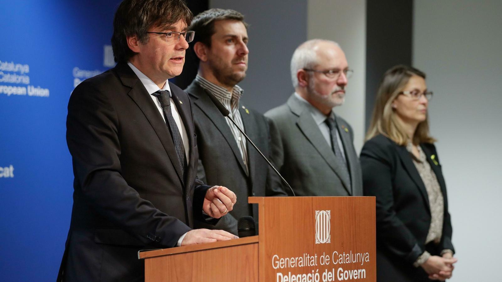 Puigdemont  i els exconsellers a l'exili fent la declaració institucional en resposta a la sentència