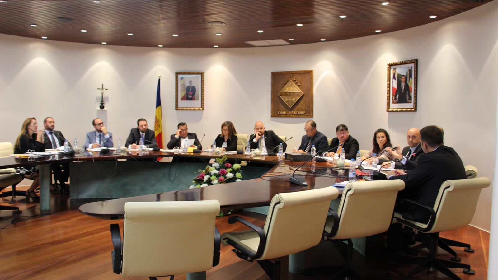 Moment de la sessió del consell de comú d'Encamp, aquest dijous. / T. N. (ANA)