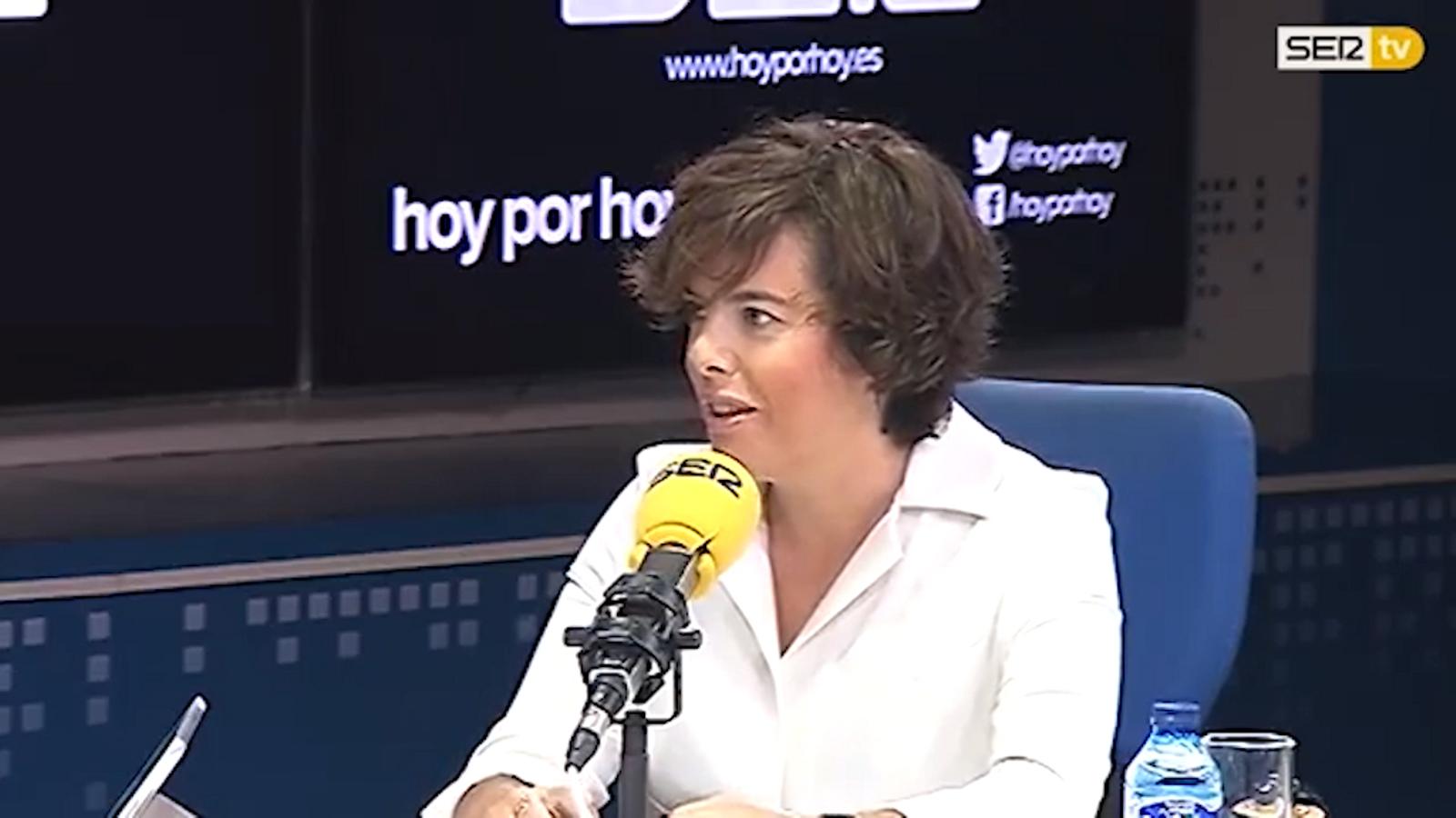 """Sáenz de Santamaría: """"Les autoritats s'encarregaran d'impedir que es posin les urnes l'1-O"""""""