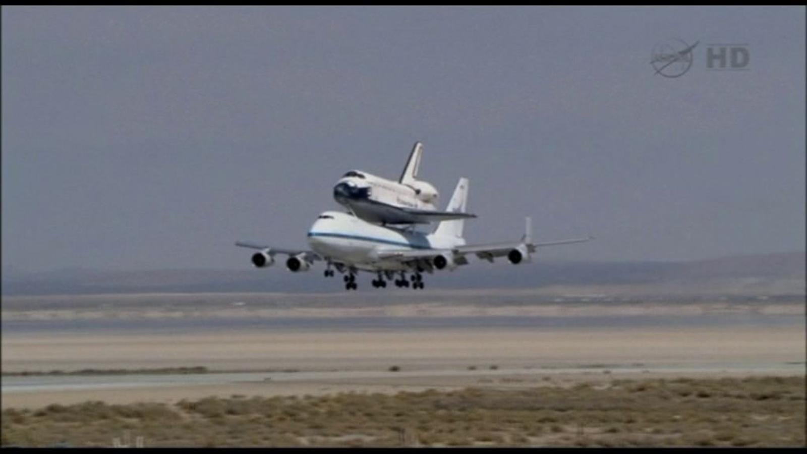 El transbordador Endeavour es jubila a Los Angeles
