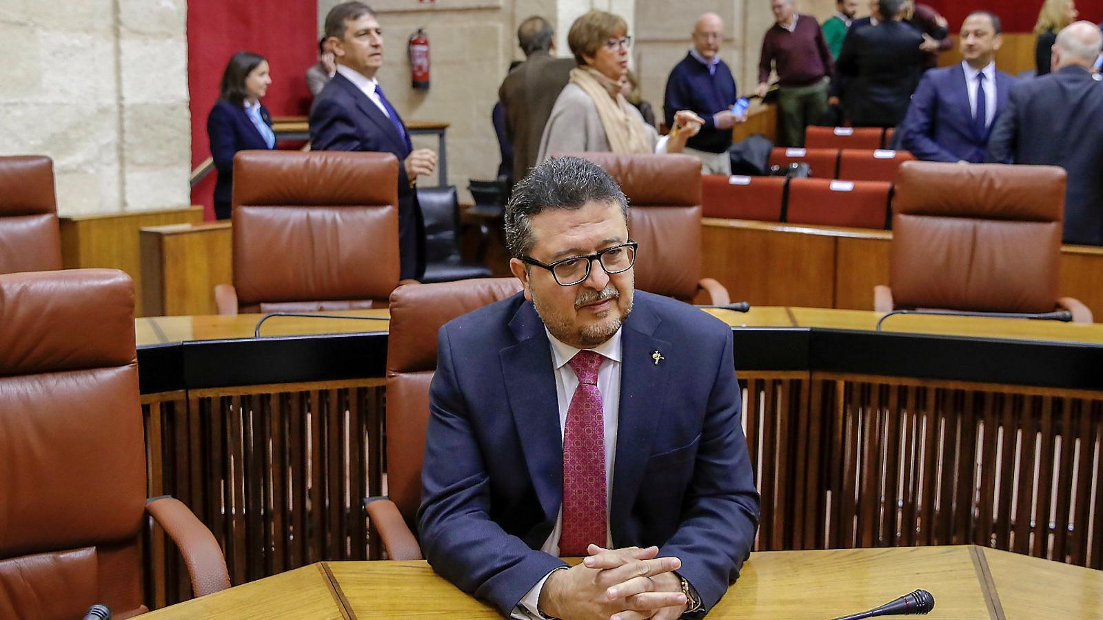 El líder de Vox al Parlament andalús, Francisco Serrano, el seu primer dia a la cambra.