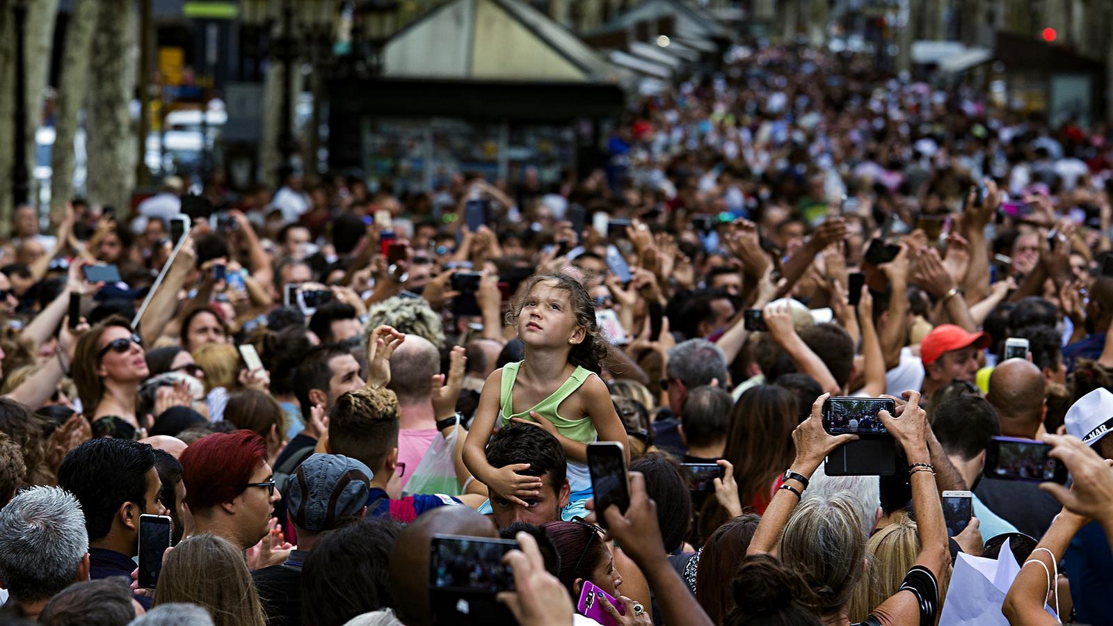 La Rambla plena de gent el dia 19 d'agost, dos dies després de l'atemptat a Barcelona.