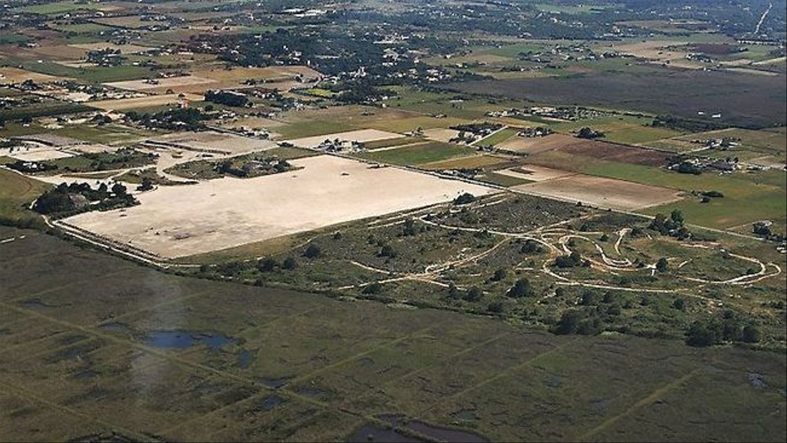 Vista aèria dels terrenys de Son Bosc, on es pretenia construir un camp de golf.