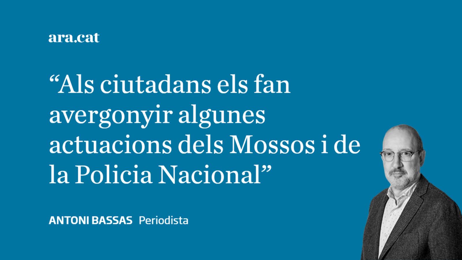 """Manifestants al Prat: """"No abaixarem el cap"""""""