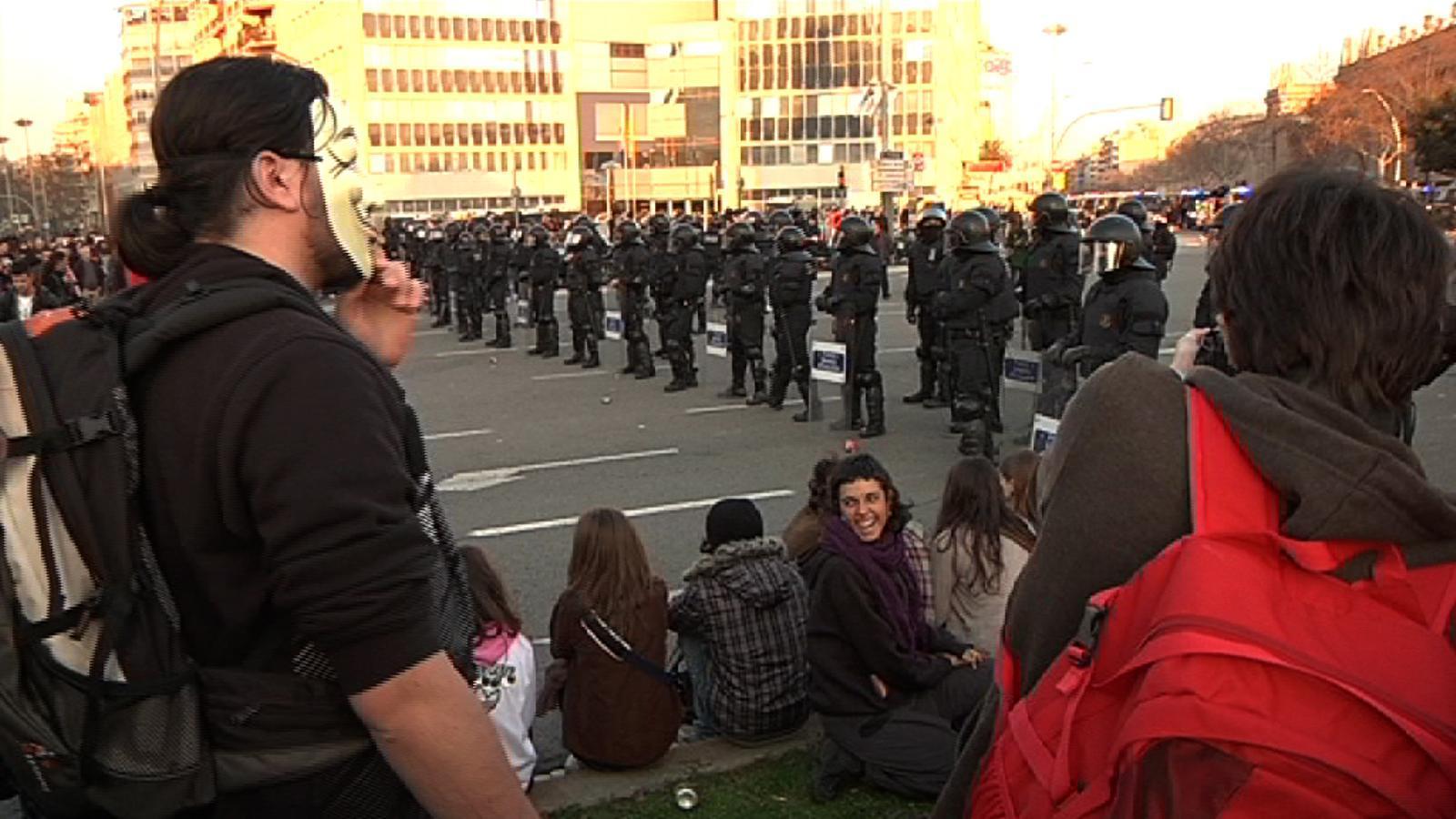 De la plaça Espanya a la comissaria de les Corts, un 29-F de mobilitzacions a Barcelona