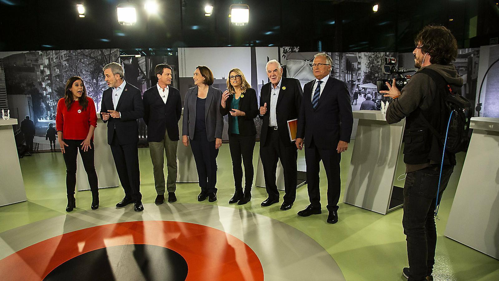 Todos contra Colau en el debate de alcaldables de Barcelona