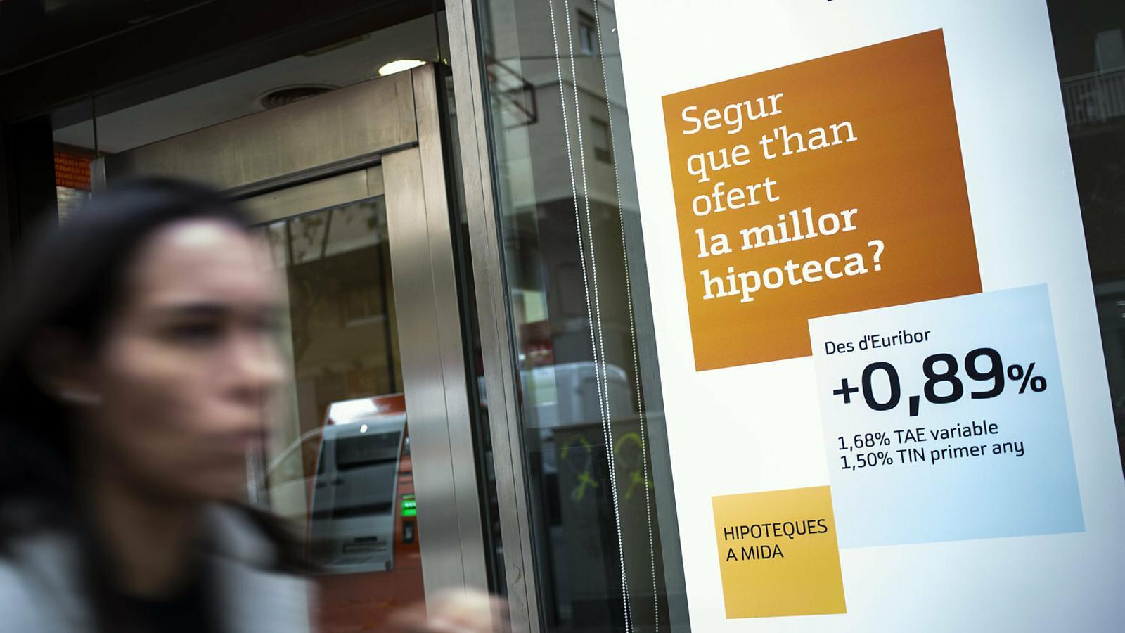 La nova llei hipotecària estableix com s'han de repartir les despeses entre el banc i el client.