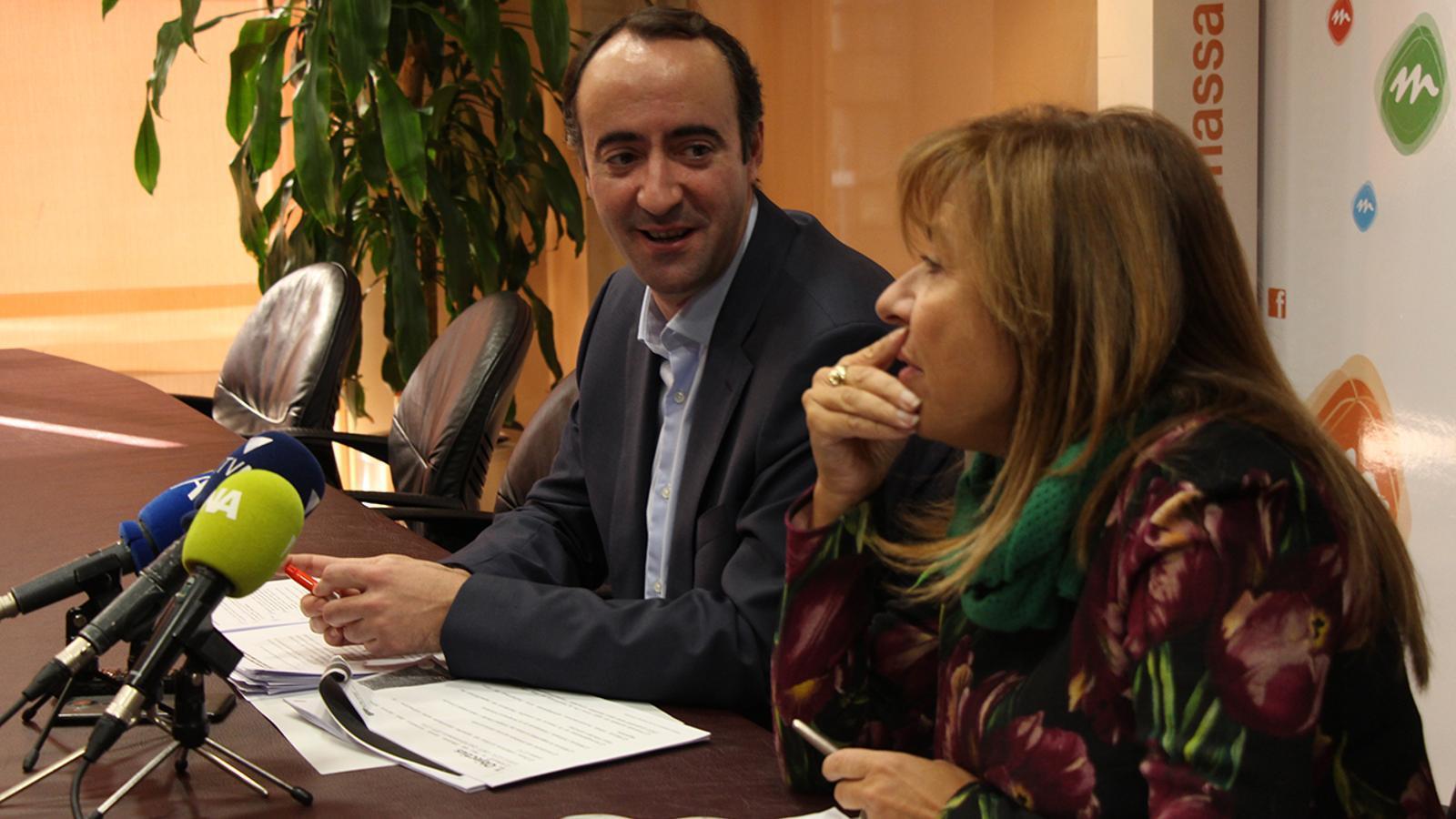 El cònsol major de la Massana, David Baró, i la cònsol major d'Andorra la Vella, Conxita Marsol, durant la roda de premsa posterior a la reunió de cònsols. / M. M. (ANA)