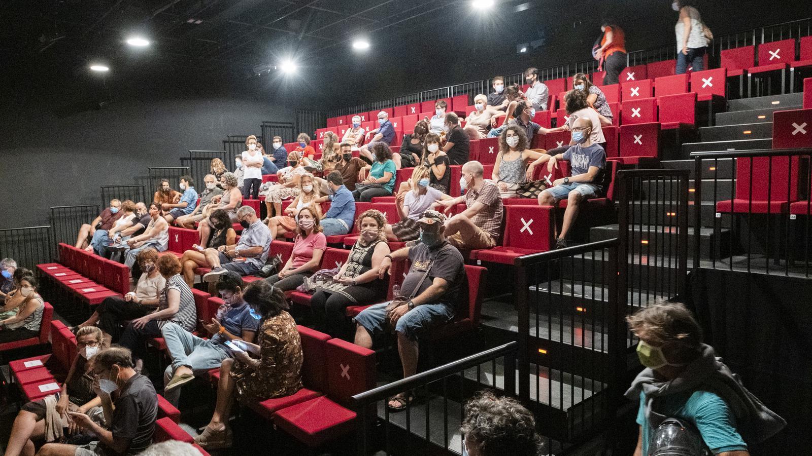 El Govern aprova ampliar al 70% l'aforament dels teatres, els cinemes i les sales de concerts