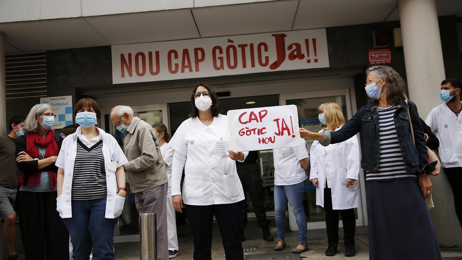 La plataforma CAP Gòtic Nou Ja exigeix una solució immediata davant la crisi sanitària