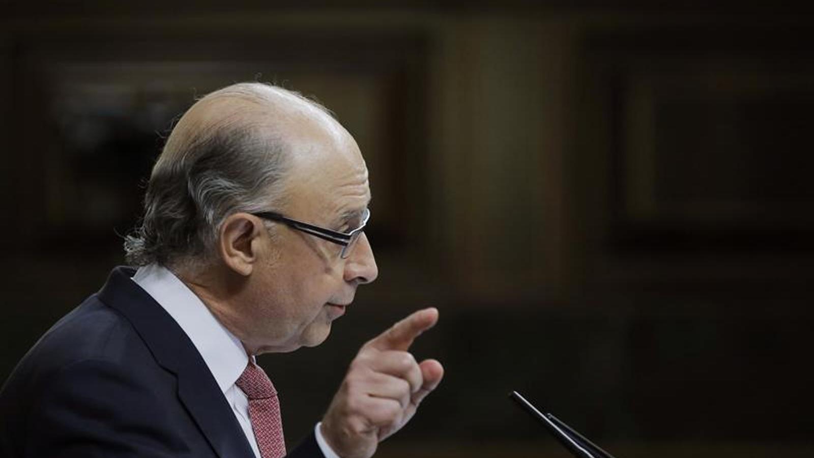El ministre d'Hisenda, Cristóbal Montoro, durant la defensa al Congrés dels pressupostos generals de l'Estat pel 2015. EFE