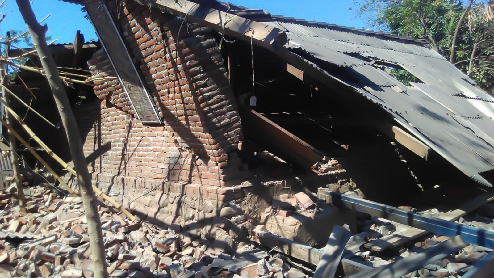 Una casa malmesa pel terratrèmol