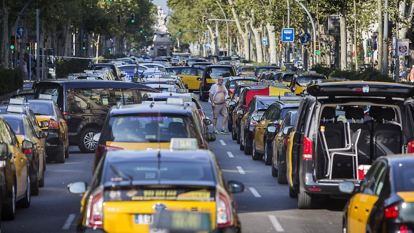 El conflicte del taxi s'enroca