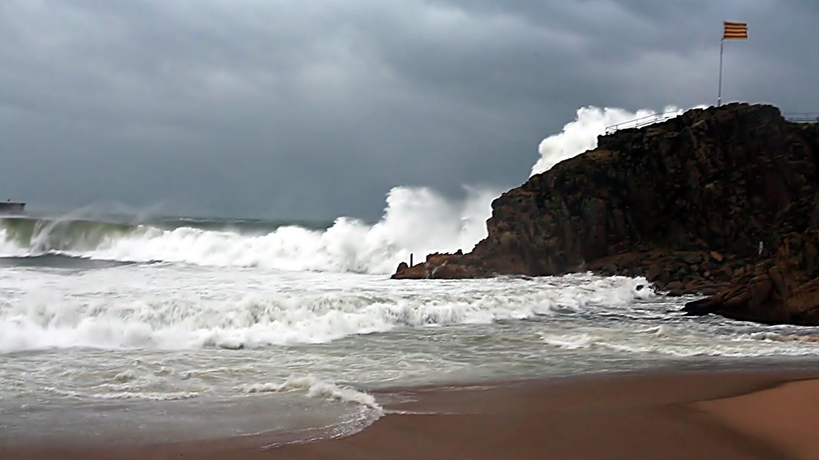 Les imatges del dur temporal marítim d'aquest cap de setmana