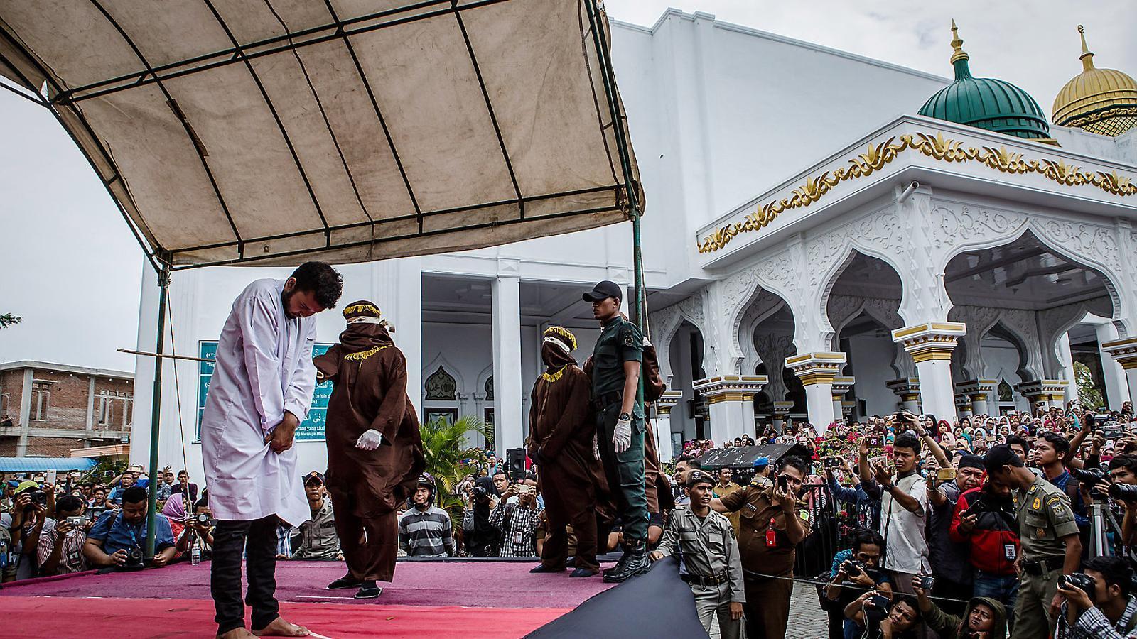 Les dues cares de l'islam a Indonèsia