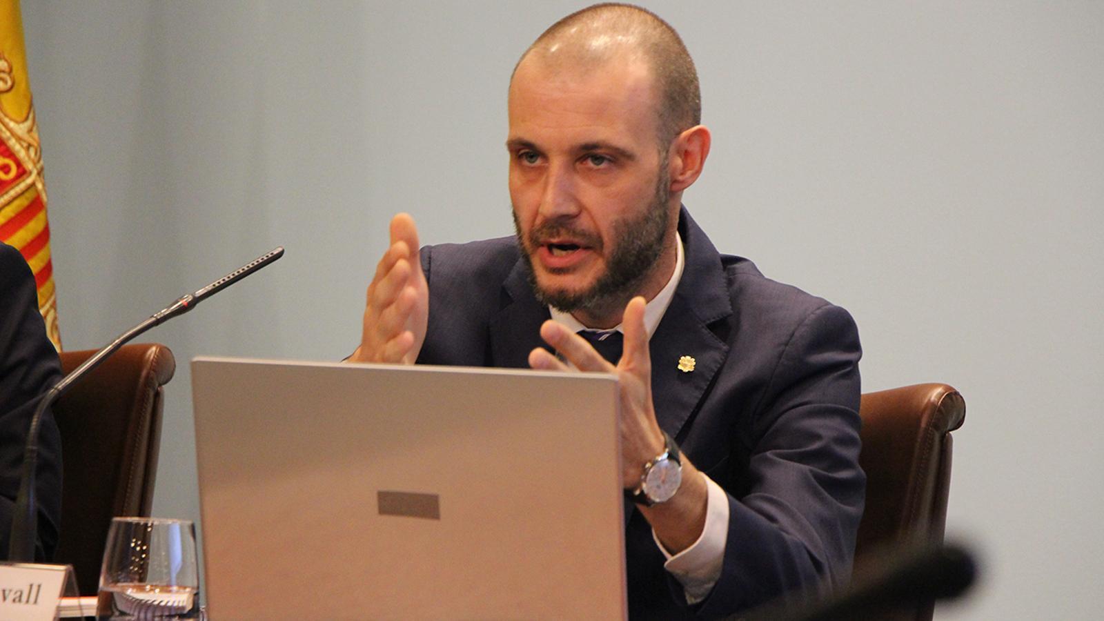 El secretari general del Govern, Jordi Casadevall, durant la seva comparexença d'aquest dimecres. / B.N.
