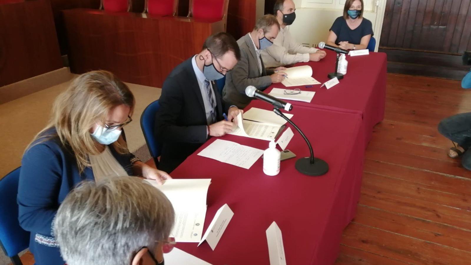 Menorca i el Govern balear treballen per reduir l'activitat de la central de Maó