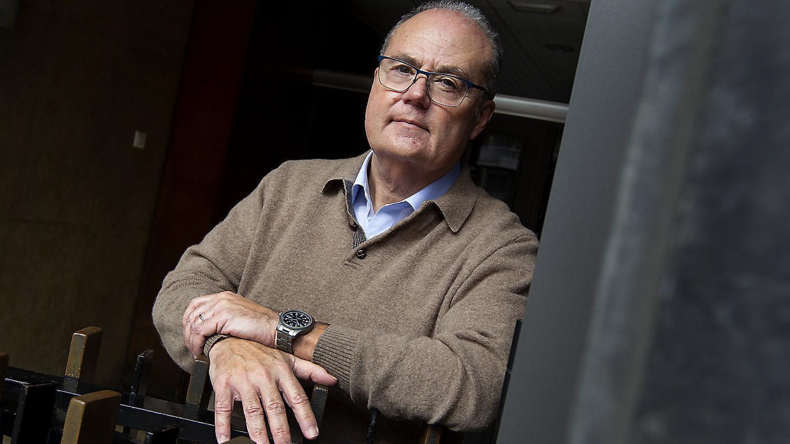"""Antoni Trilla: """"Estem normalitzant la mortalitat del covid, que multiplica per deu la de la grip"""""""