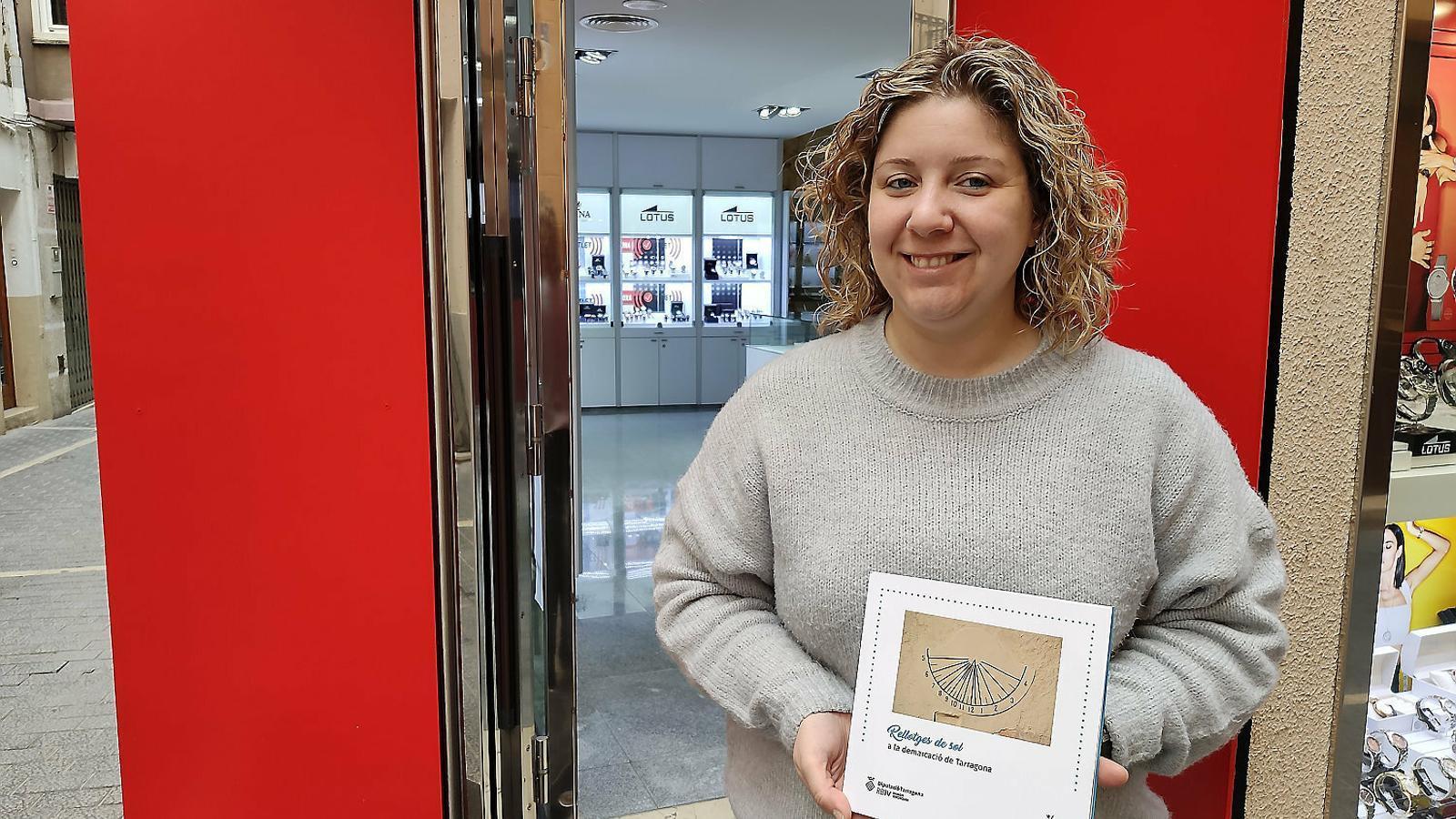"""MIREIA MERCADÉ : """"Per inventariar els rellotges de sol  he recorregut 10.000 quilòmetres"""""""