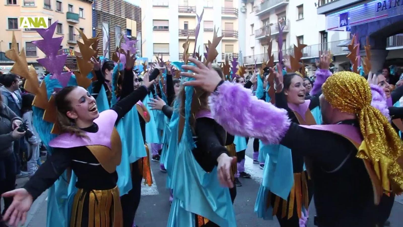 Mig miler de persones participen en la rua del Carnaval d'Andorra la Vella i Escaldes