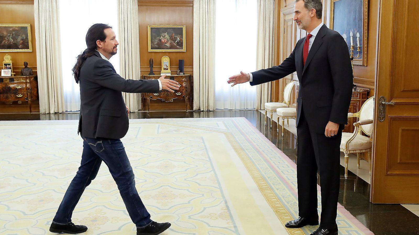 El líder d'Unides Podem, Pablo Iglesias, durant la seva trobada amb Felip VI en l'anterior ronda de consultes.