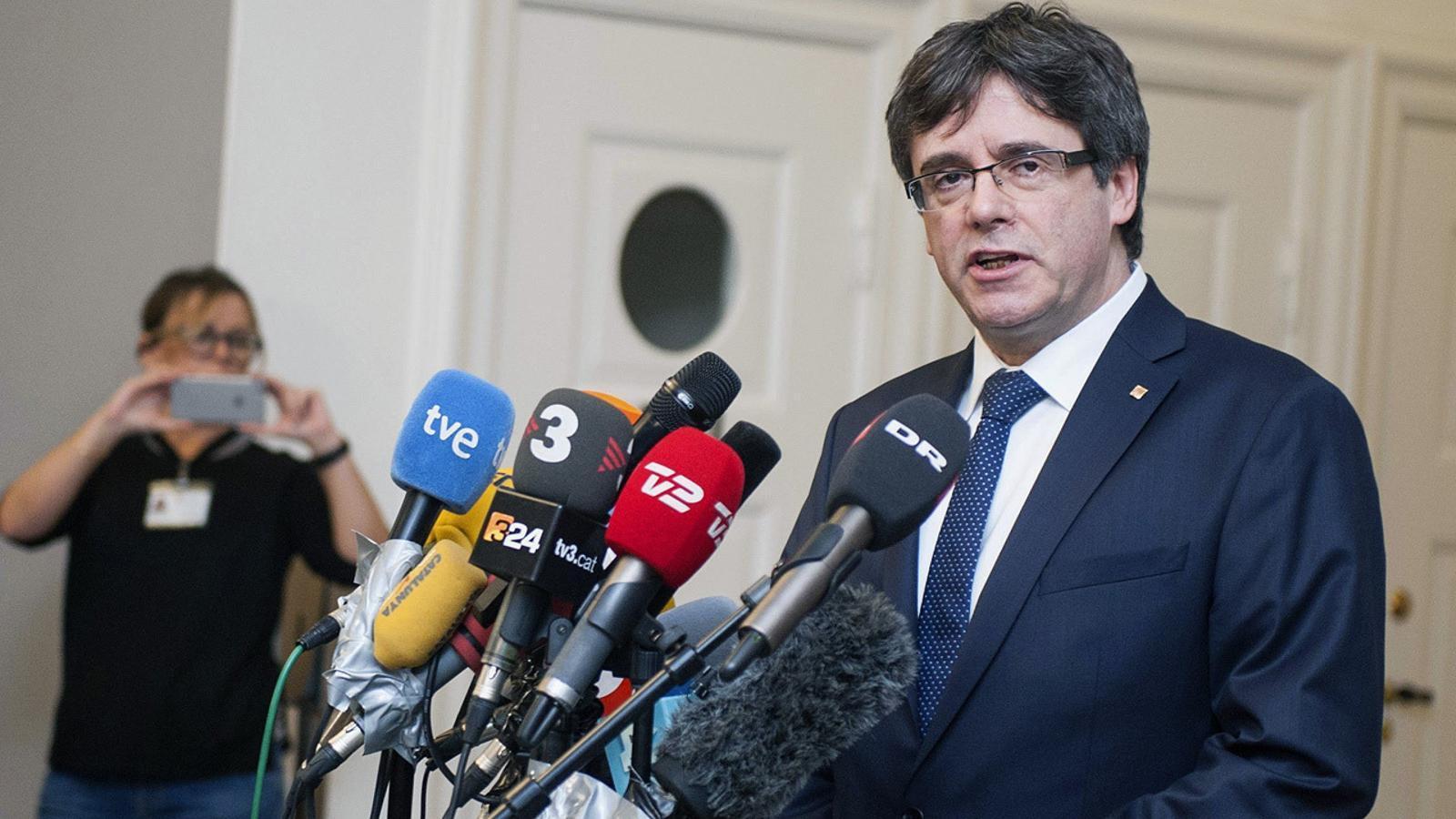 """Puigdemont: """"Que ningú faci més especulacions, no cal que ningú reforci més fronteres"""""""