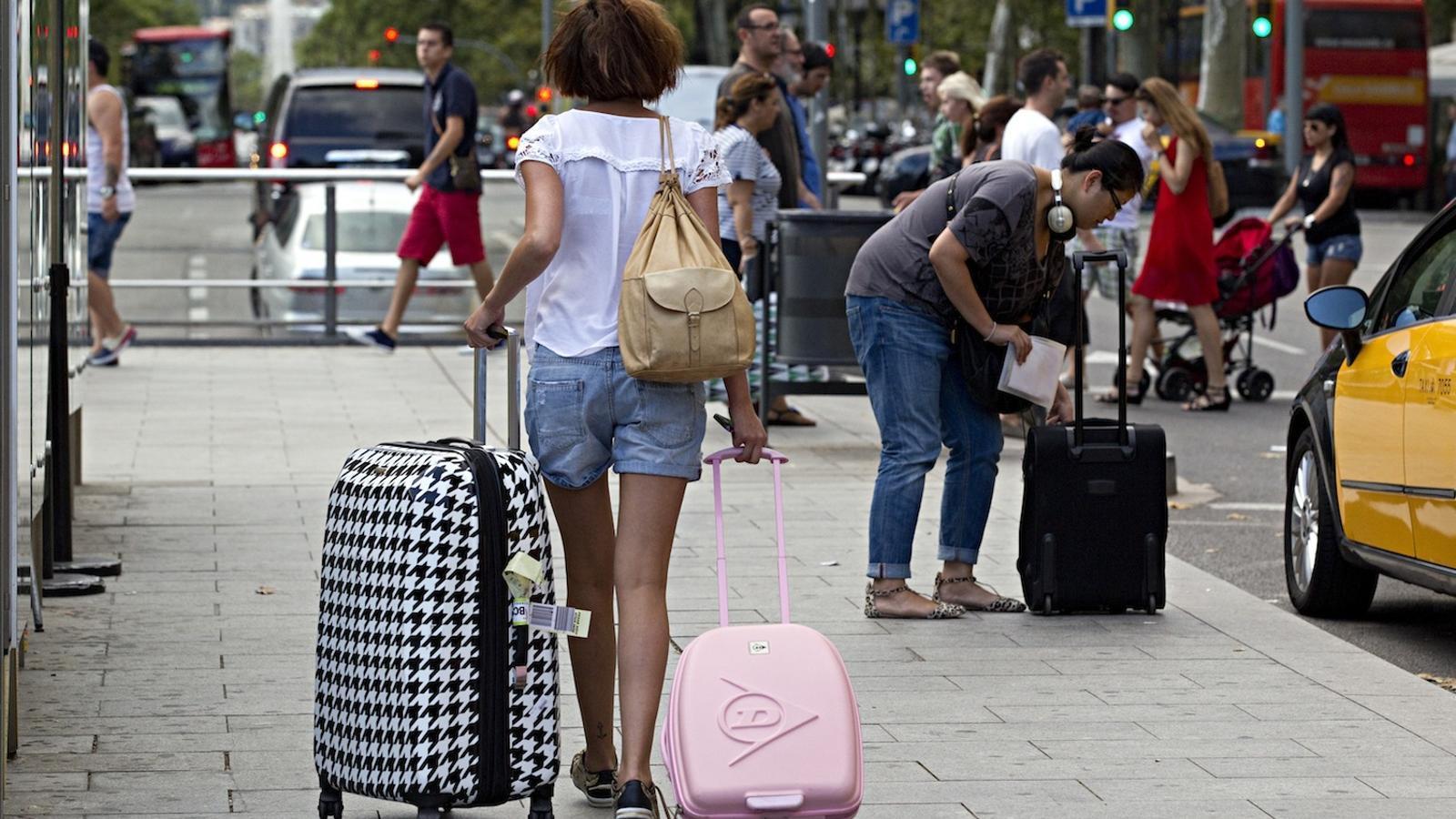 El Gremi d'Hotels de Barcelona porta als tribunals el pla de Colau per limitar els hotels
