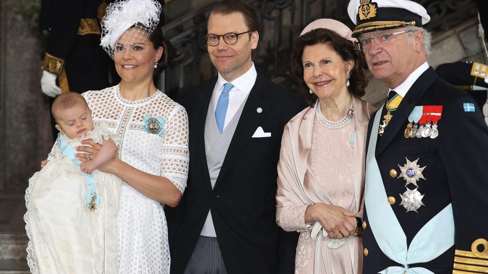 El príncep Òscar de Suècia, batejat amb sis padrins