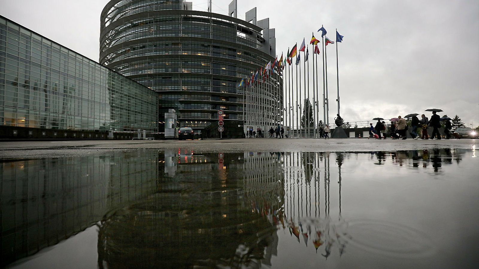 El Suprem i els exiliats sacsegen l'estrena a l'Eurocambra