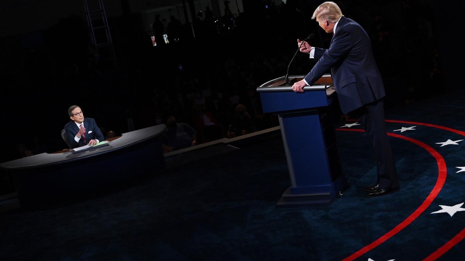 Donald Trump parlant amb el moderador Chris Wallace durant el debat electoral dels EUA