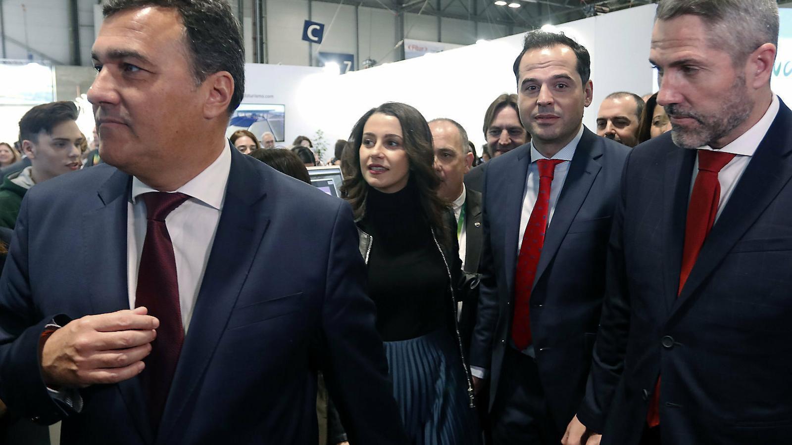 Arrimadas afronta una crisi A Cs abans de ser la nova líder