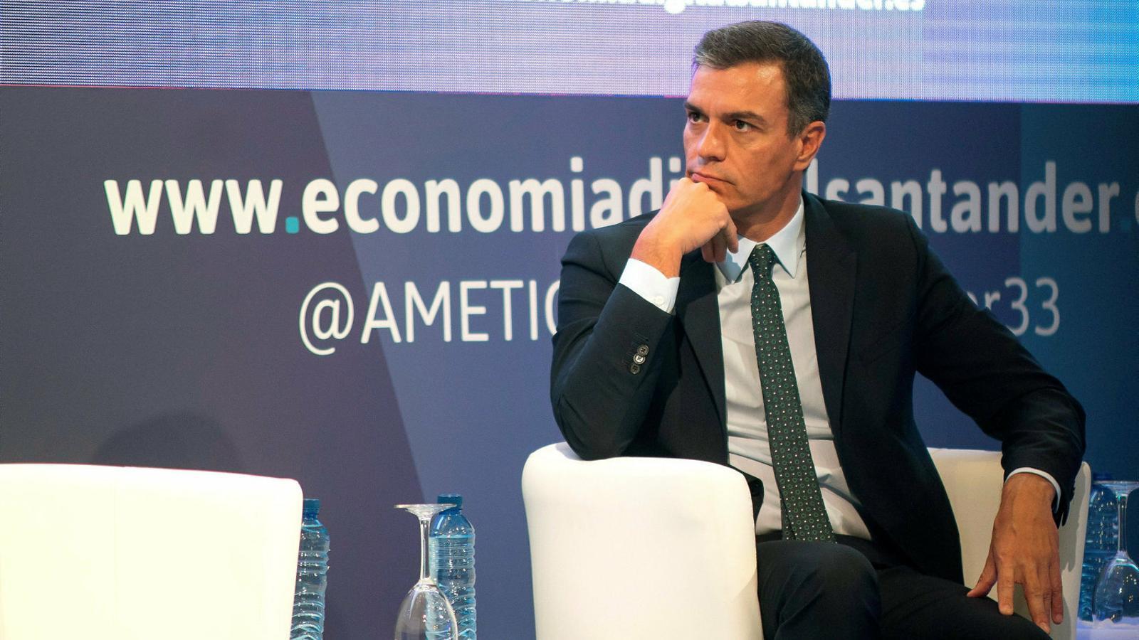 El president del govern en funcions, Pedro Sánchez, ahir durant seva participació a la trobada d'Economia Digital i Telecomunicacions a la UIMP de Santander.