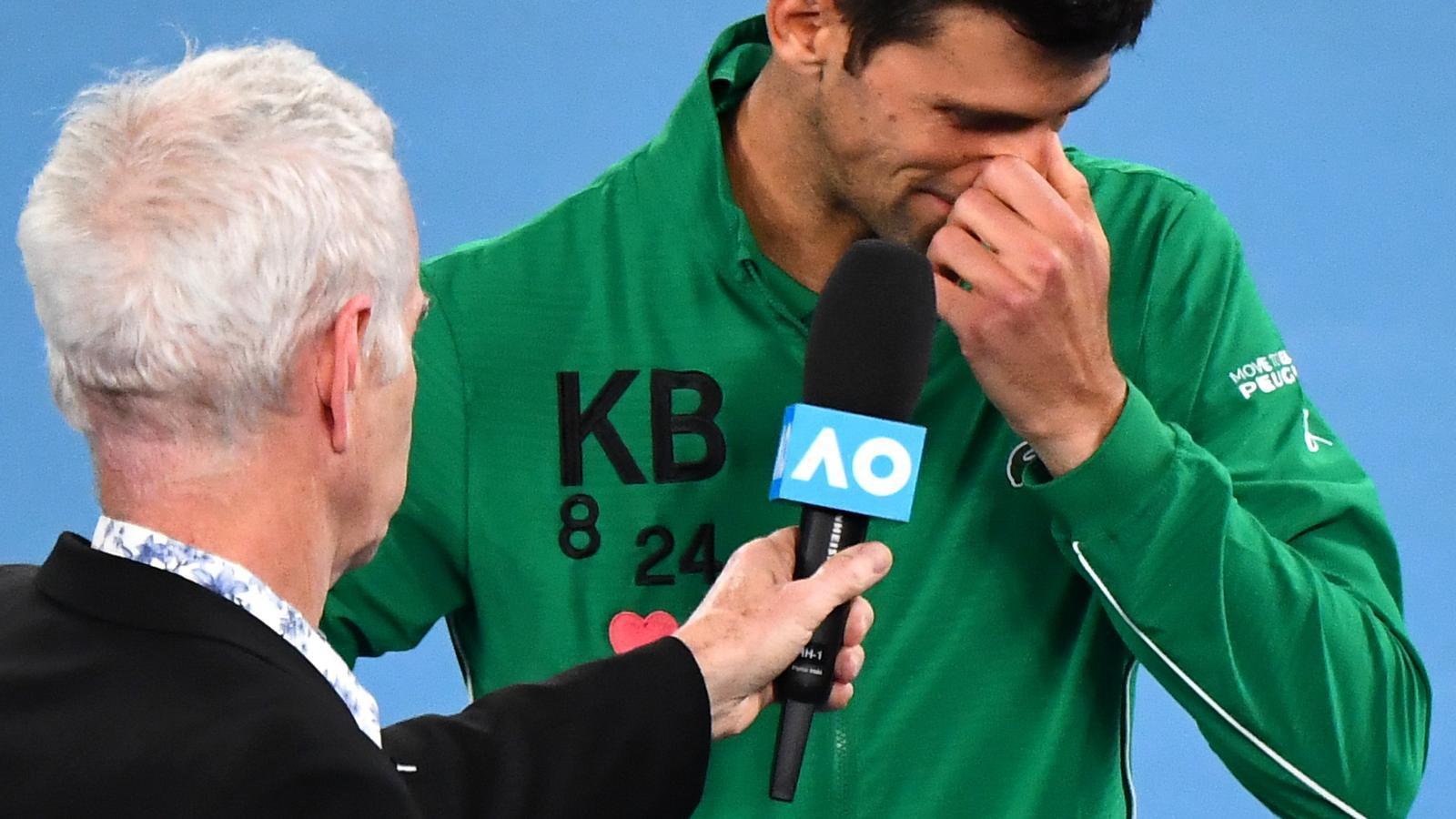 Novak Djokovic plorant
