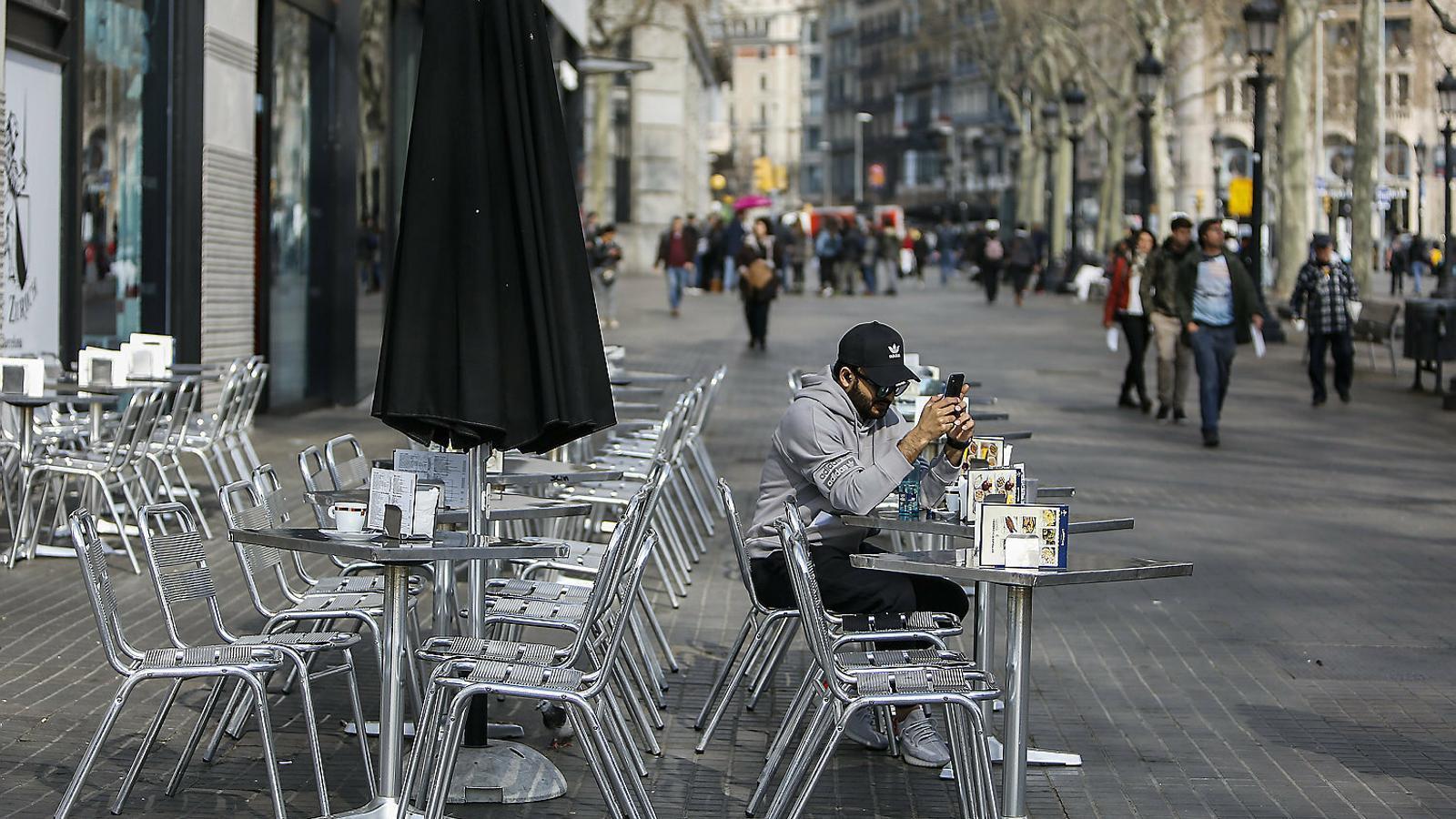 Catalunya tanca bars, restaurants i espais d'oci