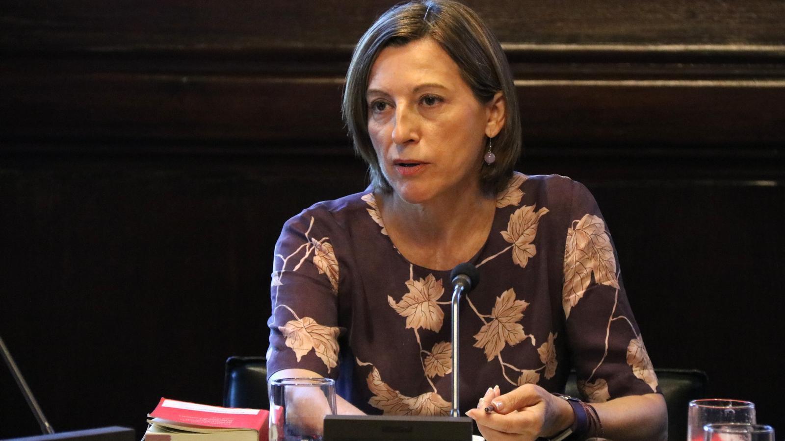 La presidenta del Parlament, Carme Forcadell, durant la reunió de la Mesa d'aquest 22 d'agost