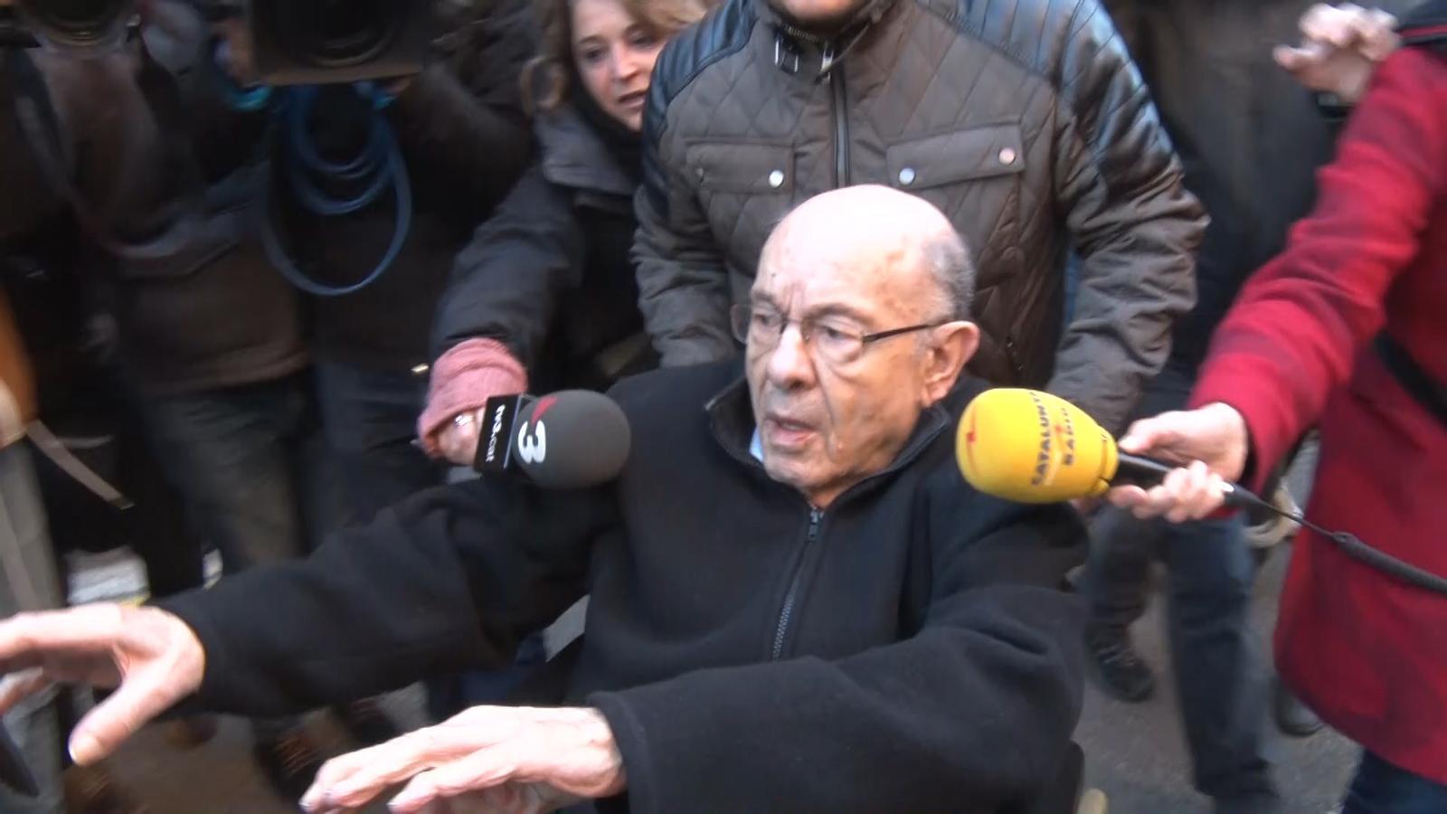 Entrades i sortides dels acusats del cas Palau a l'Audiència de Barcelona