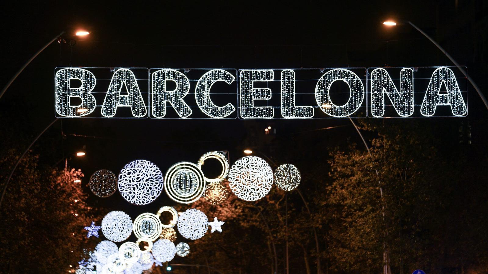 Barcelona encén els llums del Nadal 2020