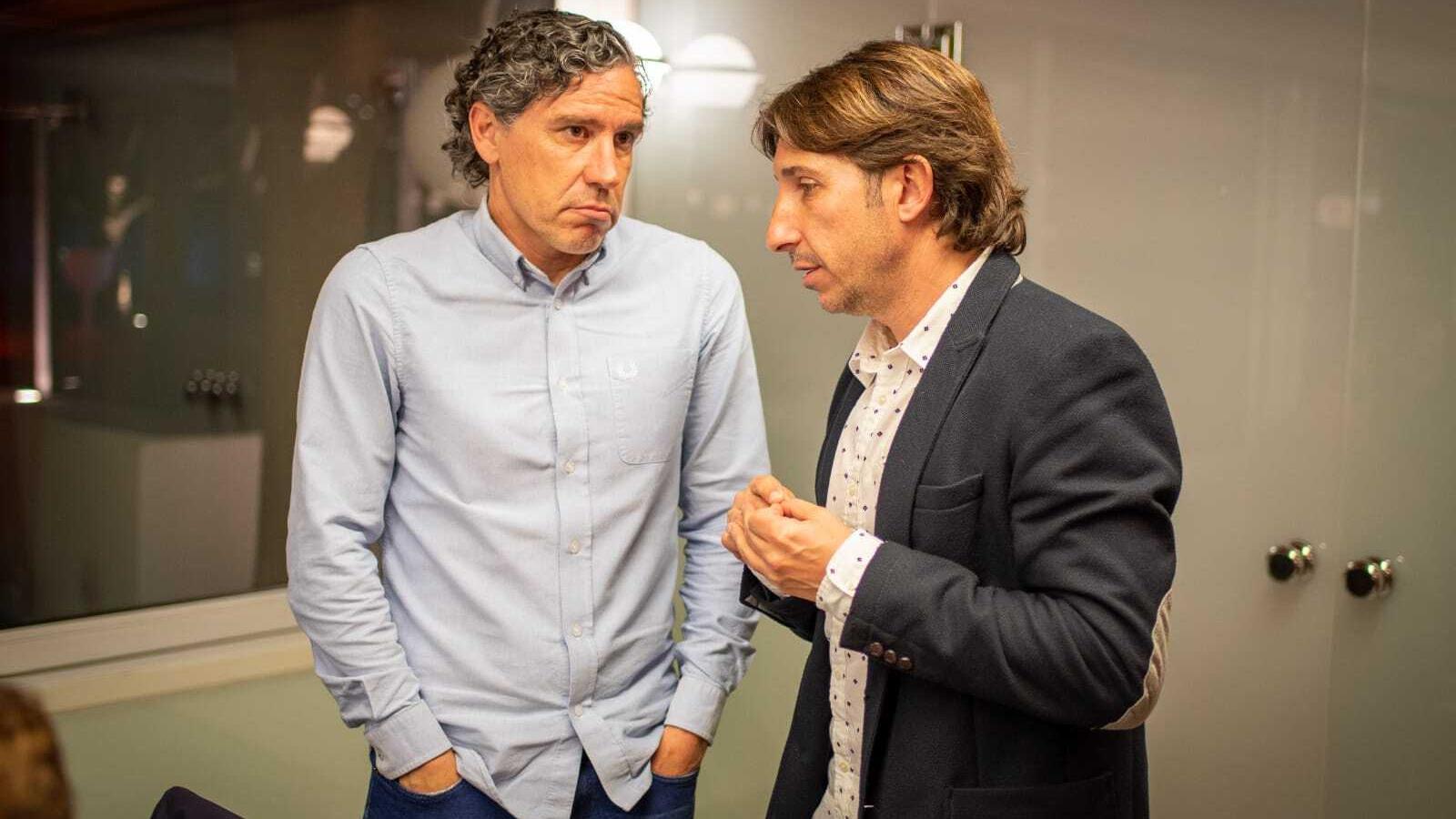 Raúl Garrido, tècnic de l'Olot, i el director esportiu Sergi Raset