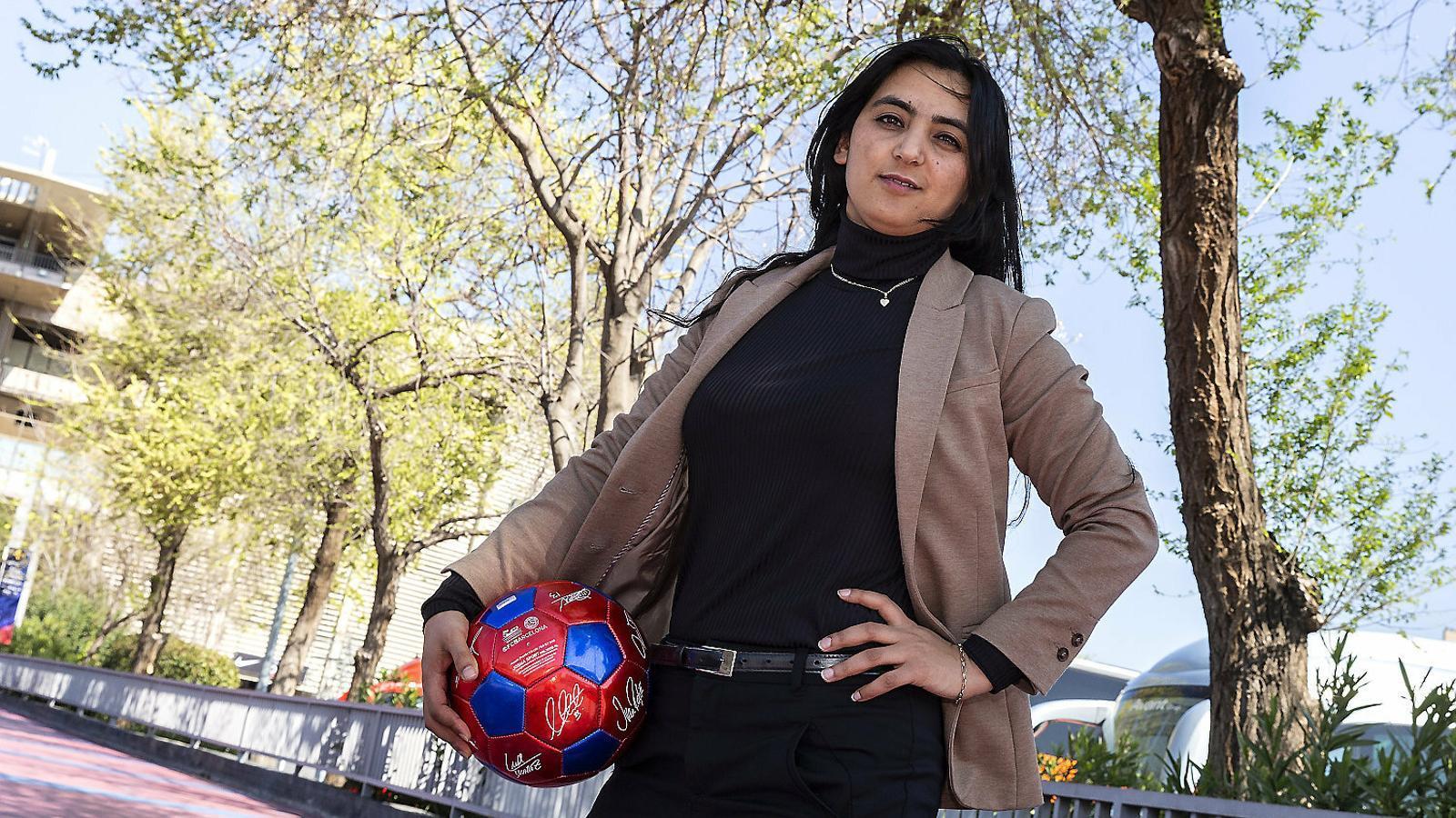 """Khalida Popal: """"Ens tiraven pedres i  ens deien prostitutes només per voler jugar a futbol"""""""
